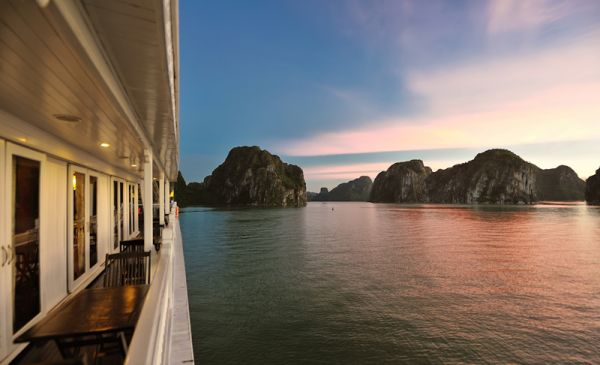Halong Bay: Paradise Sails